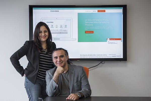CAROLINA CALDERÓN Y ESTEBAN ESCALONA, FUNDADORES DE DENTIDESK.